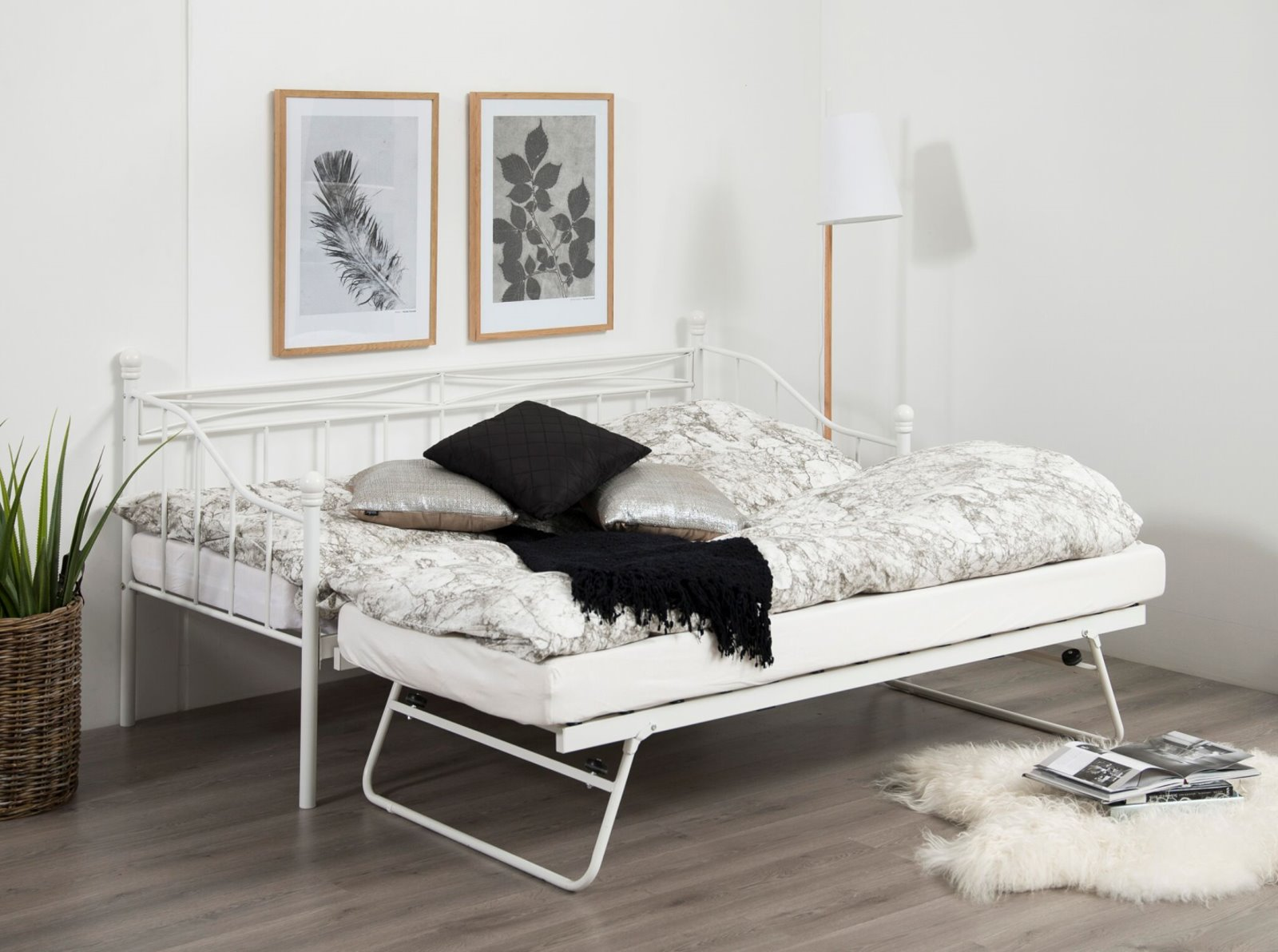 pkline metallbett oline in wei mit auszug 90x190 bett. Black Bedroom Furniture Sets. Home Design Ideas