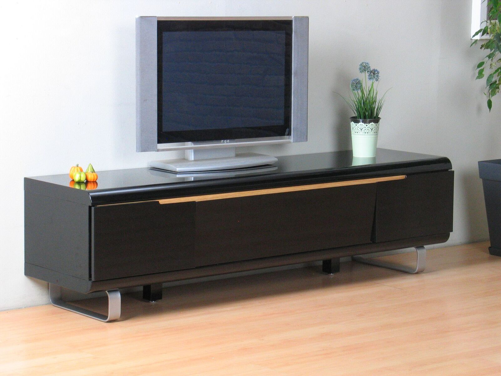 tv lowboard spacy hochglanz schwarz kommode sideboard fernseher hifi schrank ebay. Black Bedroom Furniture Sets. Home Design Ideas