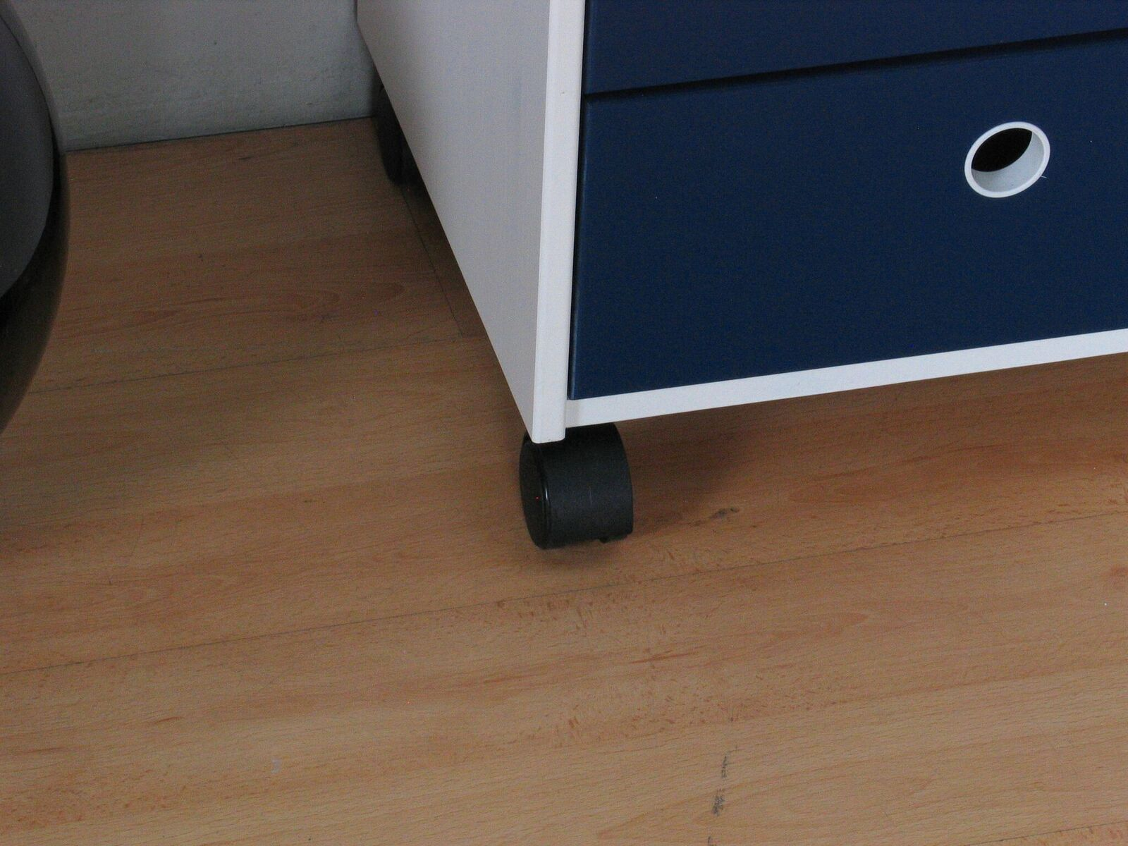 flexa schubladen kommode heine kiefer kinderzimmer schrank m bel rollcontainer m bel wohnen. Black Bedroom Furniture Sets. Home Design Ideas