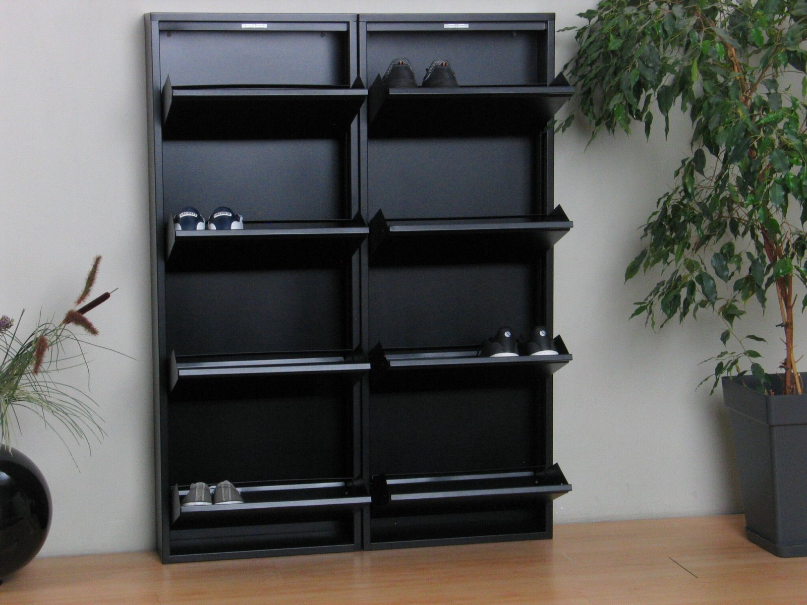 xl schuhschrank pisa 8 klappen metall schuhkipper. Black Bedroom Furniture Sets. Home Design Ideas