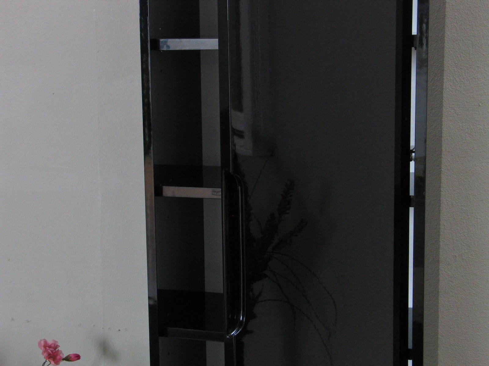 Wandschrank kitty hochglanz schwarz wandregal cd regal for Wandregal schwarz hochglanz