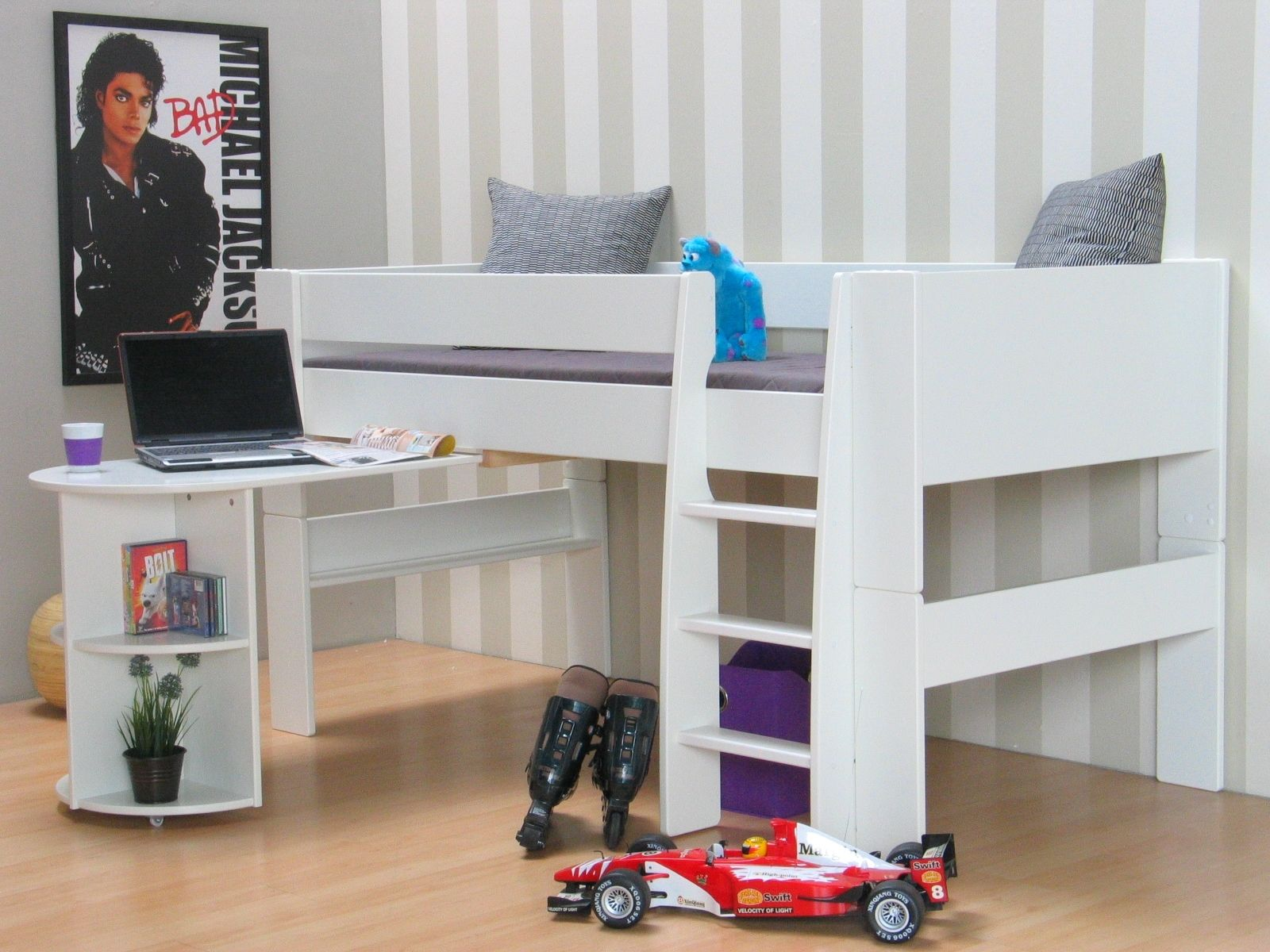 molly kids halbhohes bett 90 x 200 inkl lattenrost bettgestell jugendbett bett m bel wohnen. Black Bedroom Furniture Sets. Home Design Ideas
